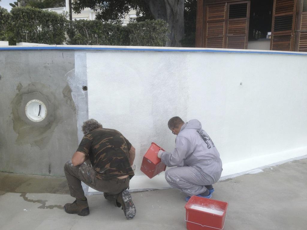 stratification piscine renovation et construction de piscine neuve en stratifie polyester et. Black Bedroom Furniture Sets. Home Design Ideas